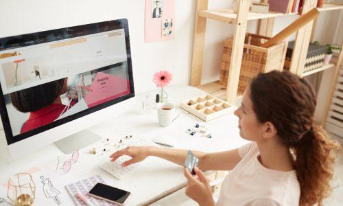 entering-number-of-credit-card-on-website-U47LPMJ.jpg